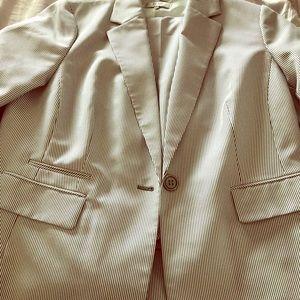 Plus Size 18W Jacket/Pant Suit Set Worn Only Once